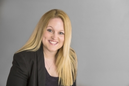 An image of Sarah who works as a paralegal with the finance and divorce lawyers team