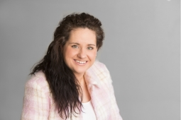 Image of Louise who is a legal secretary working closely with our financial and divorce lawyers.