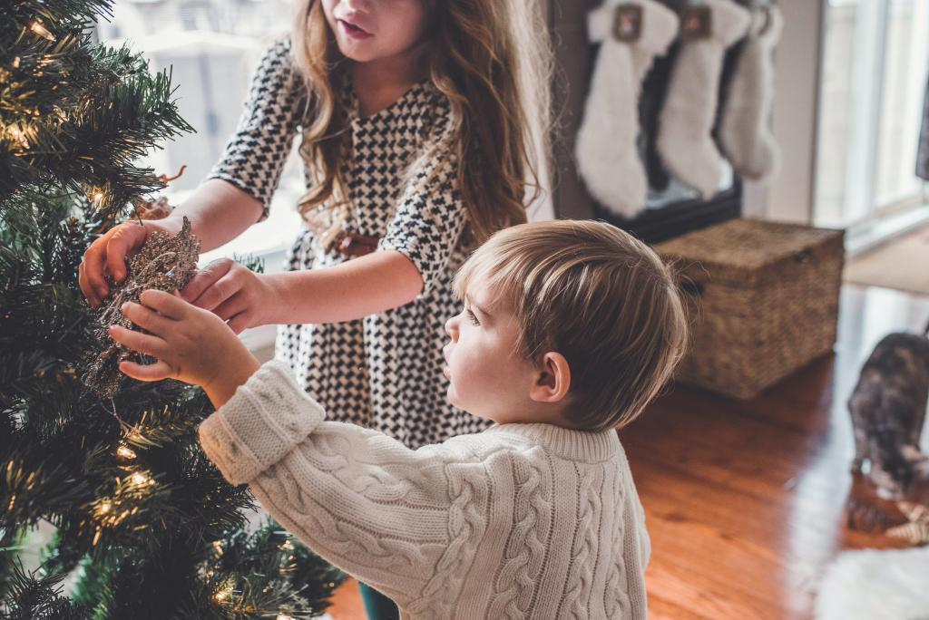 Five tips for keeping your relationship merry this Christmas